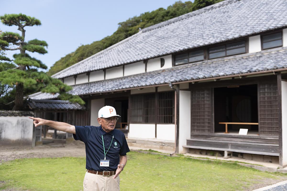 姫島の発展に多大な功績を残した古庄家の屋敷。サツマイモ栽培の導入や、塩田の造成、波止場の築造などを手がけた。